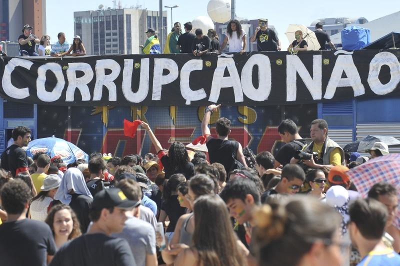 protesto-corrupcao-antoniocruz-agenciabrasil