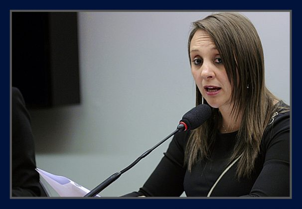 Deputada-Renata-Abreu-606x420